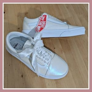Pearl Suede & Classic White Old Skool
